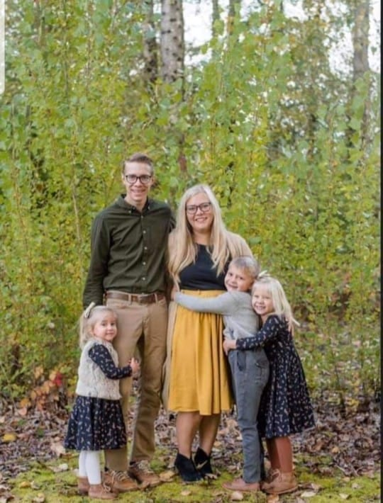 Rosa Wilson, 31, pictured with her husband and three children. Wilson died Friday in a head-on crash on SR-503 in Battle Ground. Her 5-year-old daughter was also killed. Photo courtesy Kenda Somero via Facebook