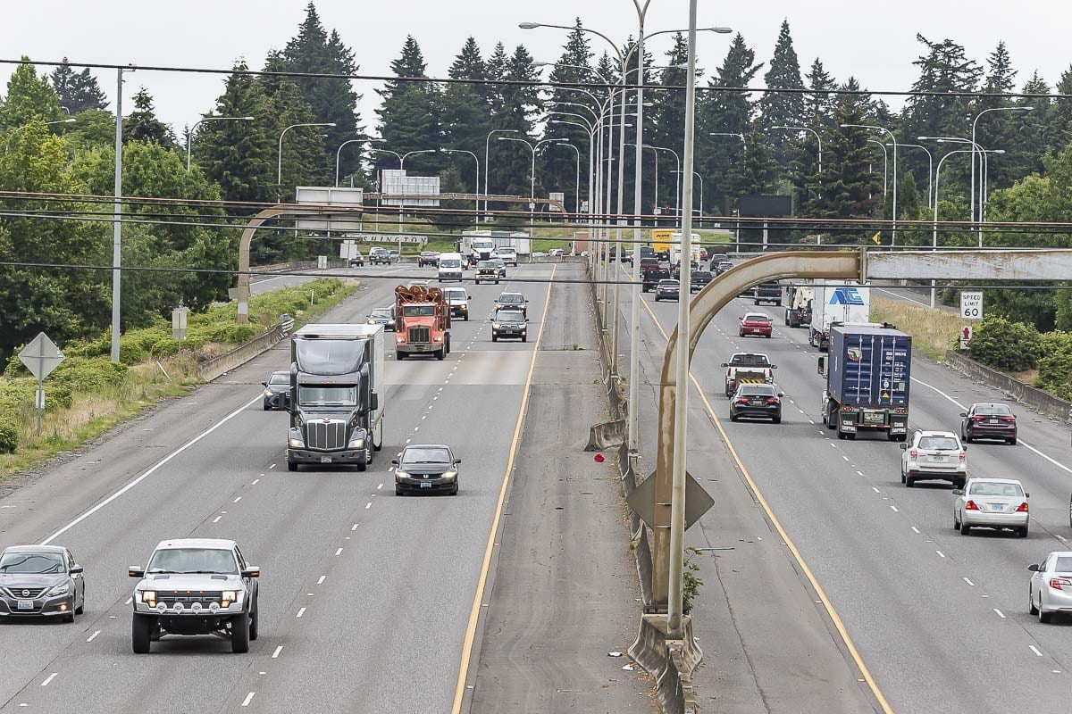 Beginning Saturday, drivers on the southbound lanes of Interstate 5 near Vancouver will experience lane closures due to nighttime construction. Photo by Mike Schultz