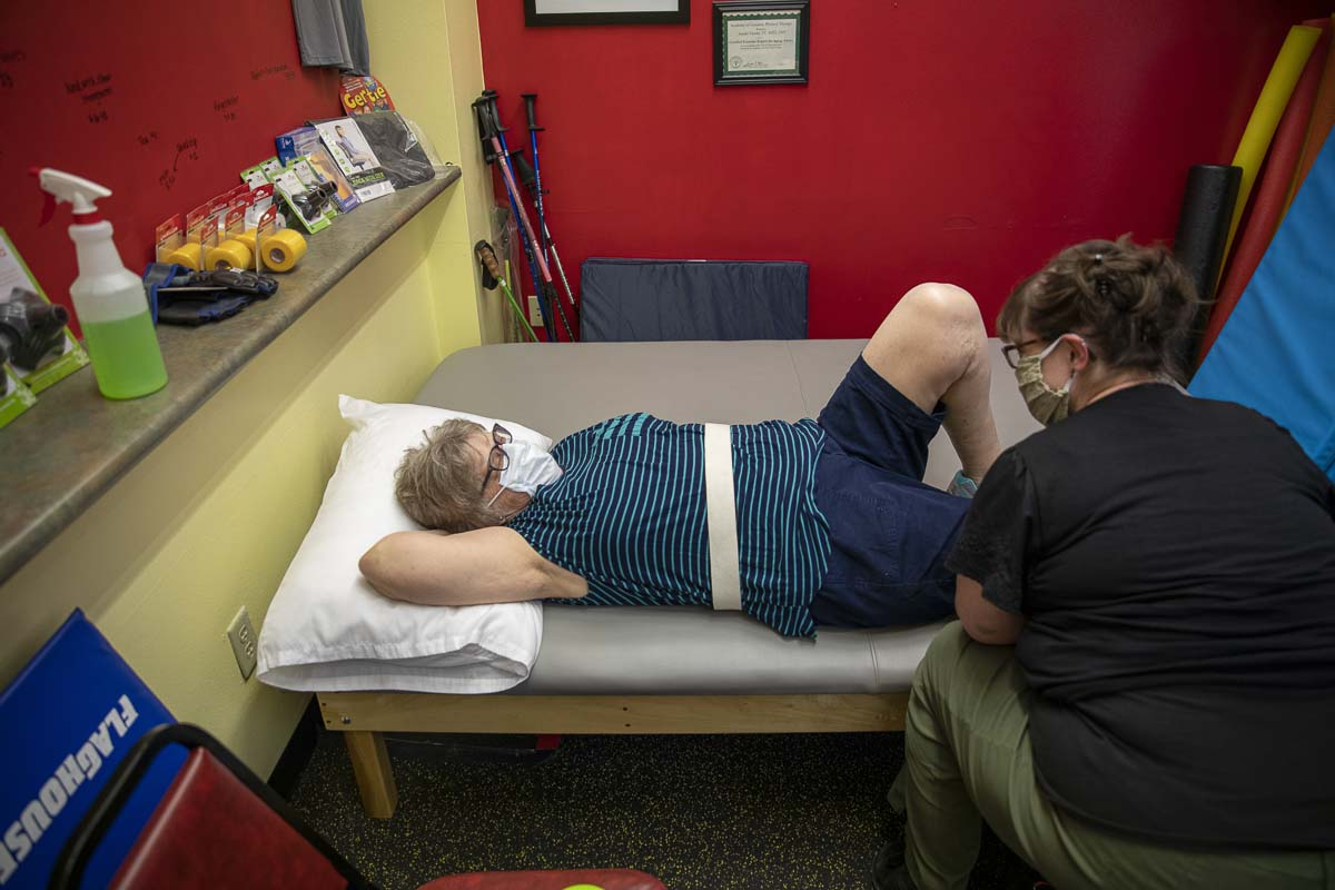 Joint therapy patient Ellen Crow is seen here working on knee therapy with PT Emily Kaemmerlen. Photo by Jacob Granneman