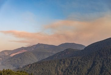 North Clark County residents on alert as wildfire threatens to move their way