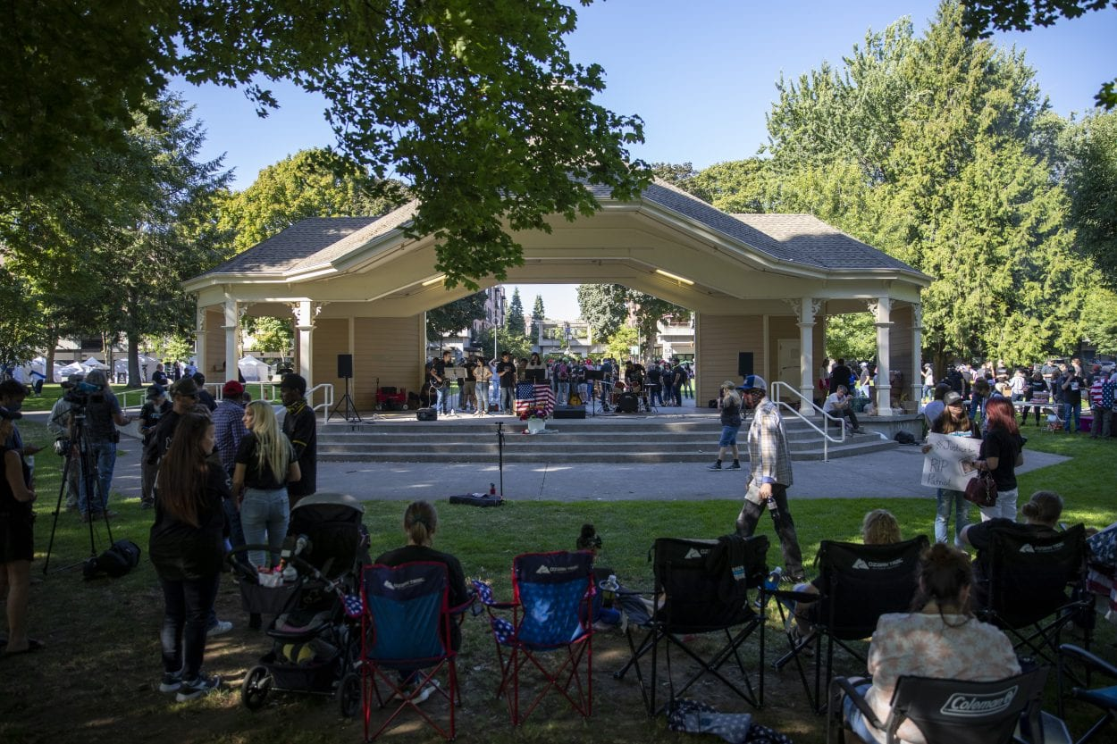 A large gathering of supporters of Patriot Prayer and Aaron J. Danielson met in Esther Short Park on Saturday to honor their friend who was murdered. Photo by Jacob Granneman