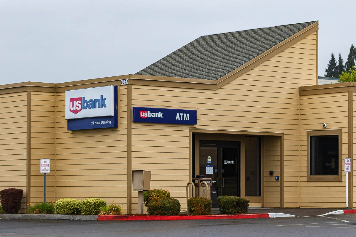 More details are emerging in the investigation into the officer-involved shooting that took place Thursday at this US Bank branch in Hazel Dell that claimed the life of 21-year-old Kevin E. Peterson Jr., a resident of Camas. Photo by Mike Schultz