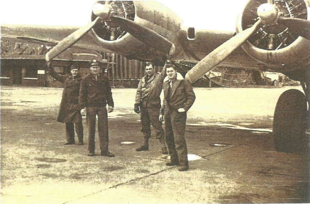 Harry Generaux and other U.S. Air Corps crew members next to a B-17 bomber in 1944. Photo courtesy Harry Generaux