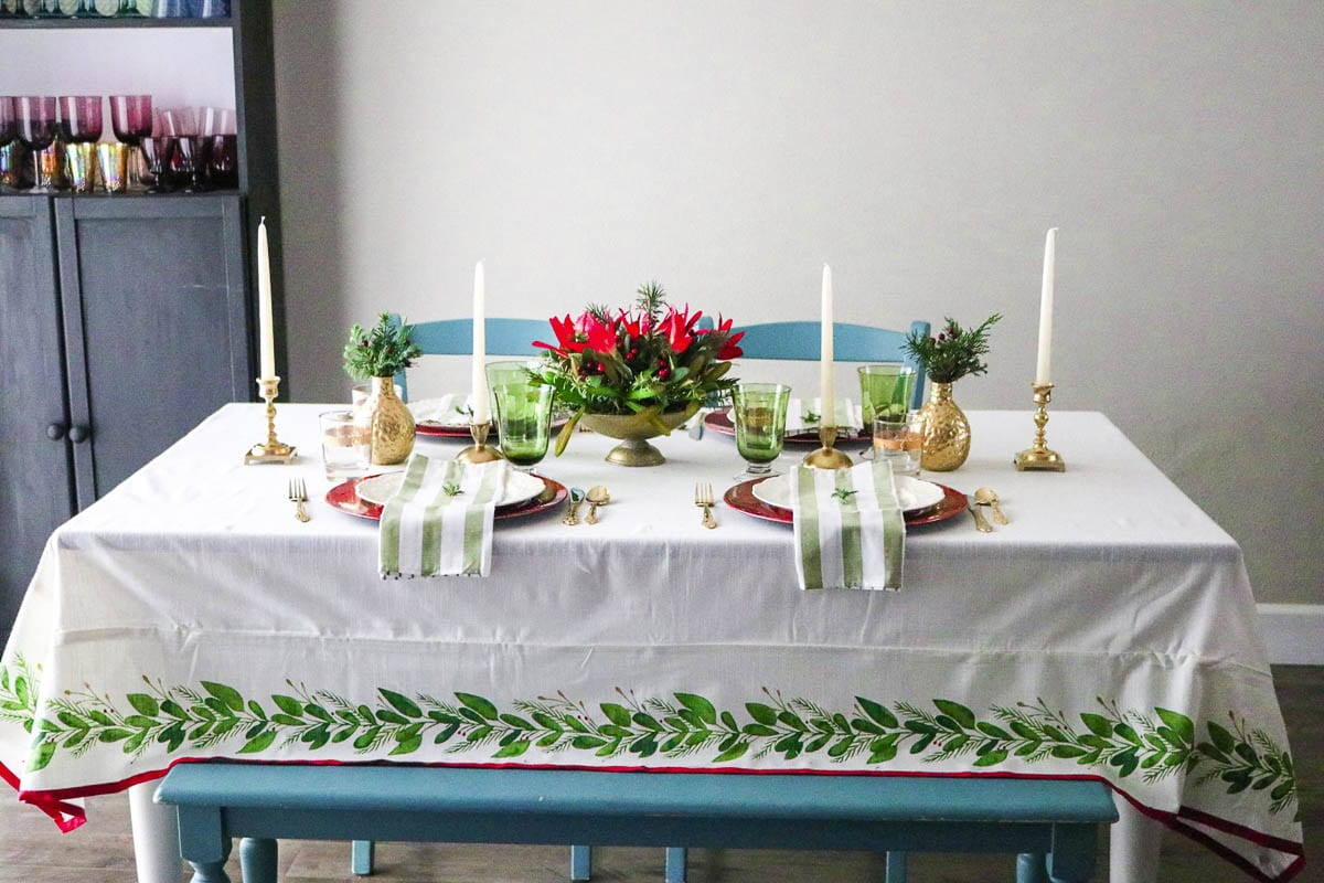 Area blogger Serretta Style displays a holiday decor table set created exclusively with finds from Goodwill. Photo courtesy of SerrettaStyle.com