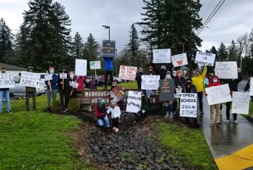 Clark County parents rally for open schools