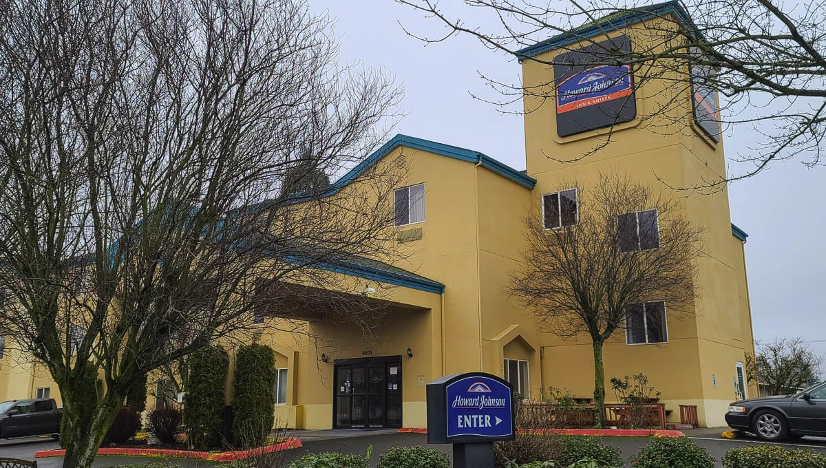 This Howard Johnson Hotel, at 9201 NE Vancouver Mall Drive, is in the process of being purchased by the Vancouver Housing Authority, the city of Vancouver, and Clark County, and will be converted into a homeless shelter. Photo by Paul Valencia