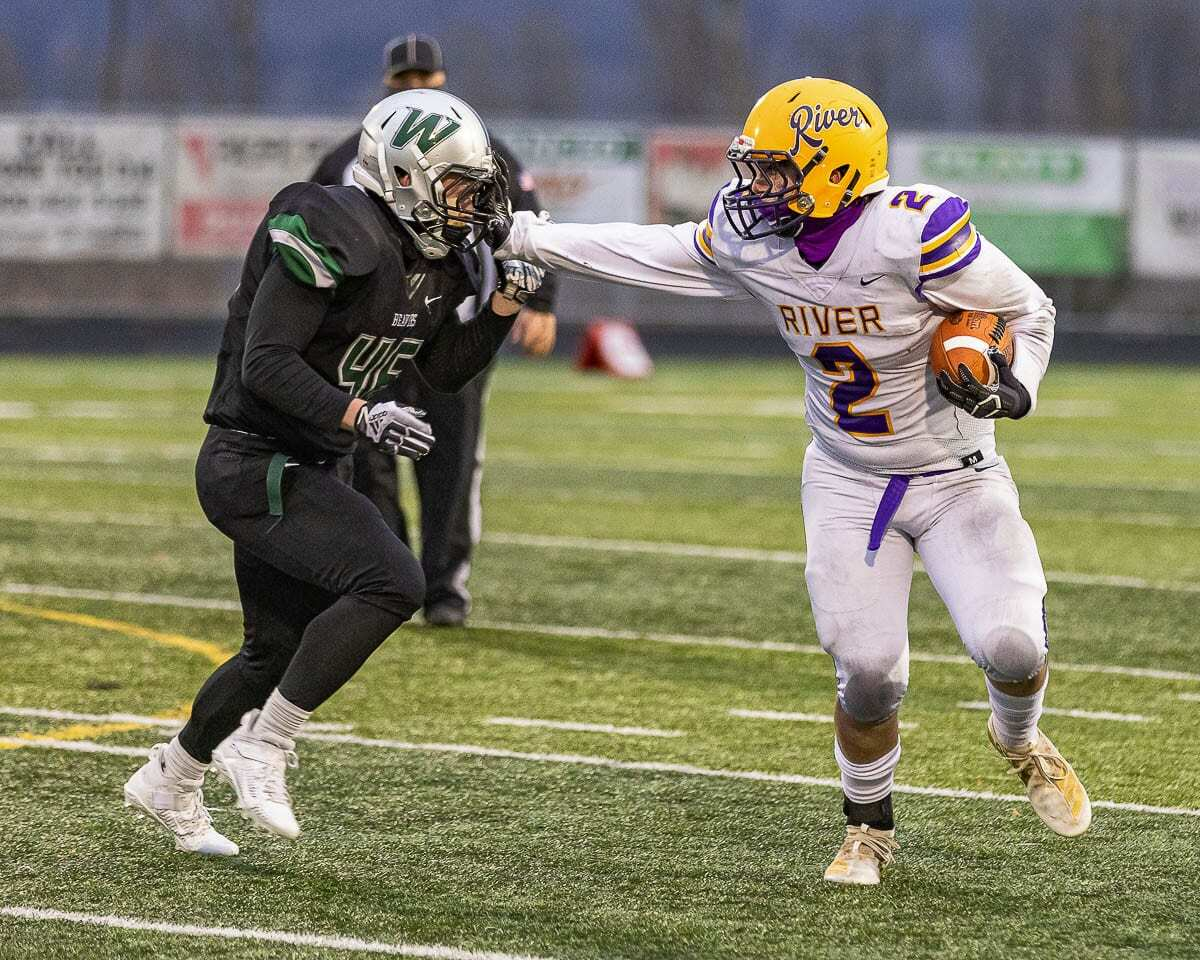 Columbia River tight end Adam Huerena had five receptions for 56 yards and a touchdown. Photo by Mike Schultz