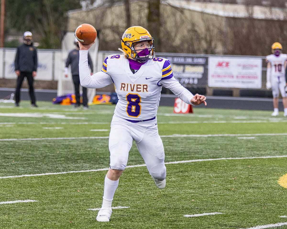 Columbia River quarterback Mason Priddy, shown here in Week 1, threw four touchdown passes in a Week 2 win. Photo by Mike Schultz