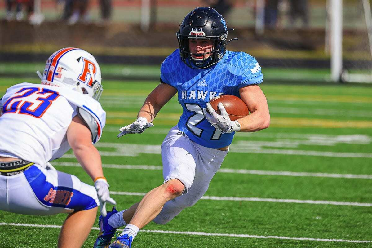Daniel Thompson had more than 100 yards from scrimmage for Hockinson, including a 51-yard touchdown run in the win over Ridgefield. Photo by Mike Schultz