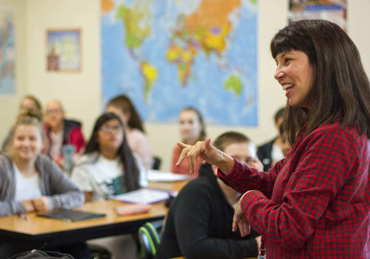 Kim Novak teaches American Sign Language (ASL) at Woodland High School (photo taken pre-pandemic). Photo courtesy of Woodland School District