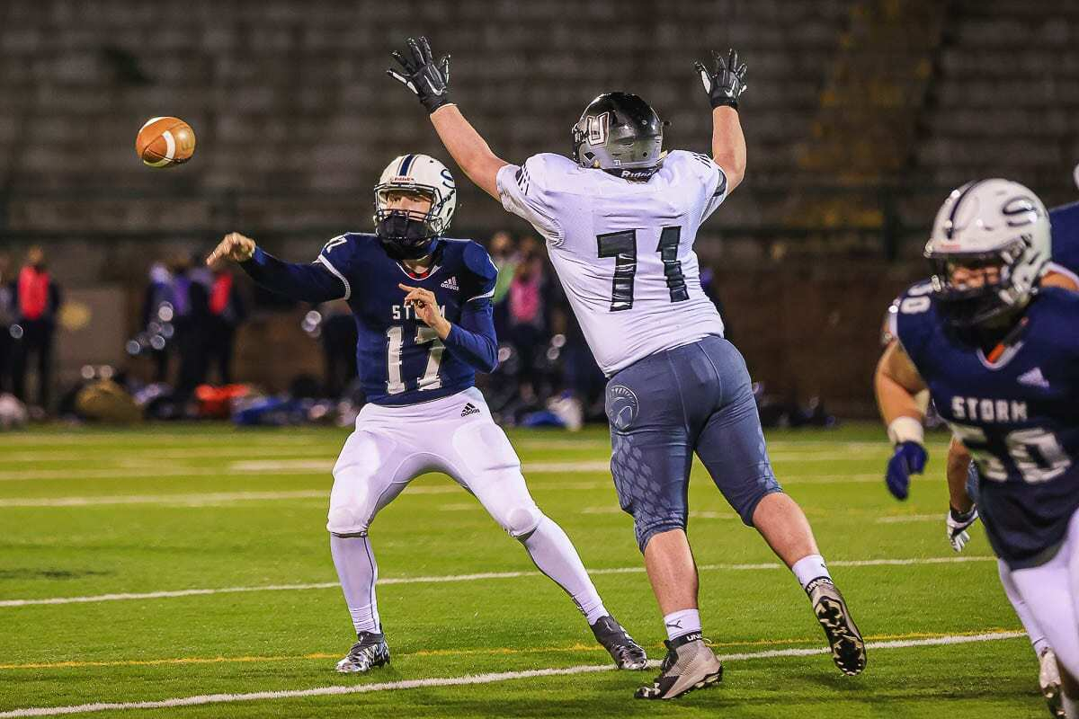 Skyview quarterback Clark Coleman rushed for a touchdown and passed for one in a 23-20 victory over Union. Photo by Mike Schultz
