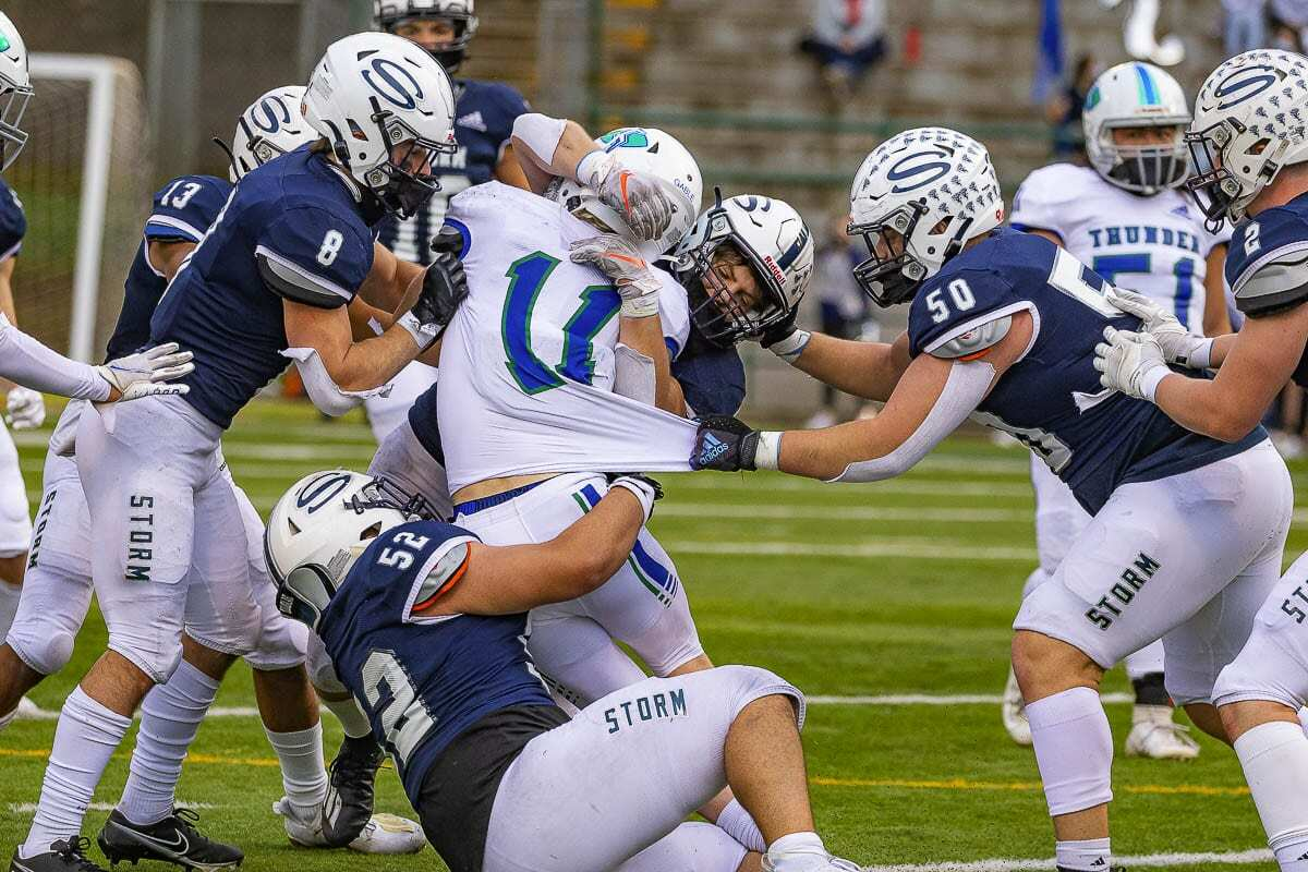 The Skyview defense had its moments, too, in the win over Mountain View. Photo by Mike Schultz