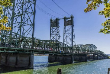 POLL: Do you believe the Interstate 5 Bridge replacement project should include a light rail component?