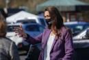 Congresswoman Jaime Herrera Beutler tours Tower Mall vaccination and testing site