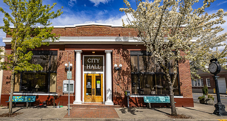 """Effective June 1, Sandra Day resigned from the Ridgefield City Council leaving a vacant position. State law provides that City Council """"shall appoint a qualified person to fill the vacant position."""""""